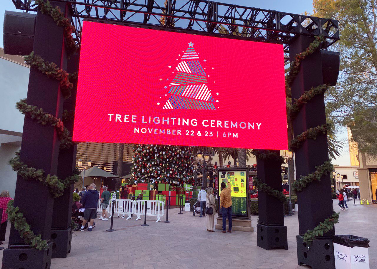 Tree Lighting Ceremony - Fashion Island Mall